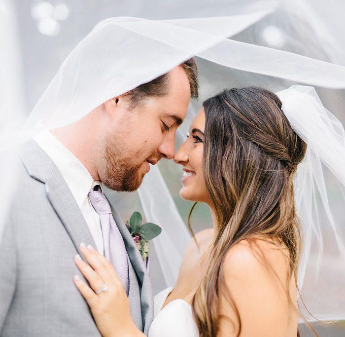 Intimate Wedding: Mengubah Gaya Resepsi Pernikahan Saat Pandemi